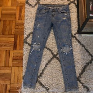 Light Wash Ripped Jeans LF